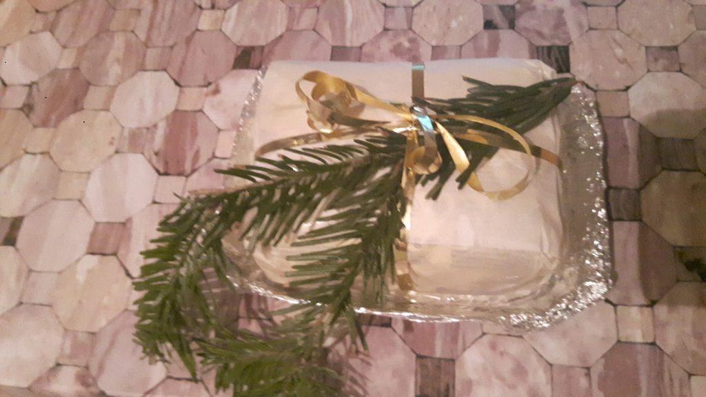 A pogácsa tészta begyúrva nagyon jó karácsonyi ajándék ötlet!